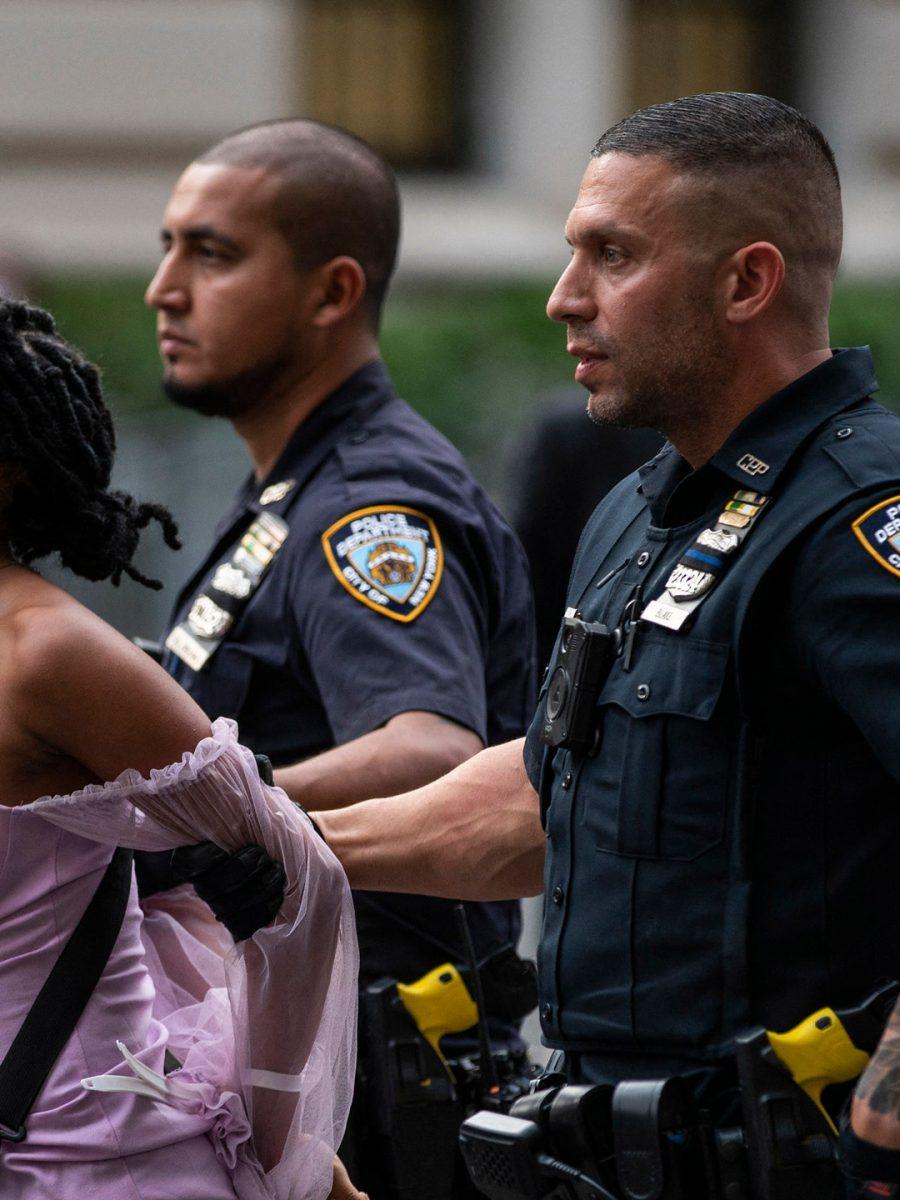Protestos de fora do MET Gala Foto: Eduardo Munoz Alvarez / AFP (Getty Images)